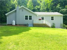 16 Lakeview Ter, Newtown, CT 06482