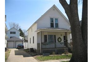 1005 6th St, Fulton, IL 61252