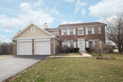 2 Mustang Ct, Streamwood, IL