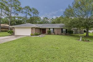 8519 Collins Ridge Blvd N, Jacksonville, FL 32244