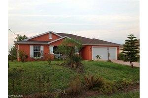 2804 27th St SW, Lehigh Acres, FL 33976
