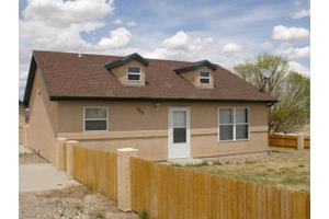 909 E Waverly Dr, Pueblo, CO 81007