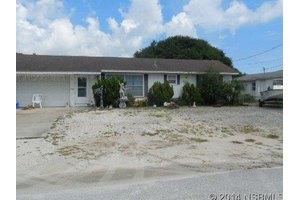 826 E 18th Ave, New Smyrna Beach, FL 32169