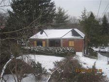 290 Mcmurray Rd, Upper Saint Clair, PA 15241