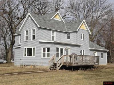 11105 110th Ave, Madelia, MN