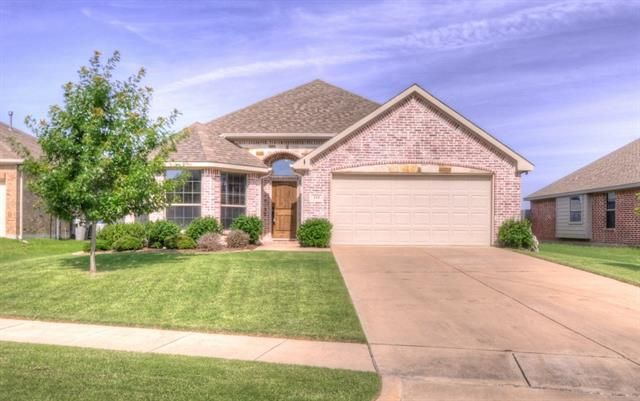 215 Wooded Creek Ave Wylie, TX 75098