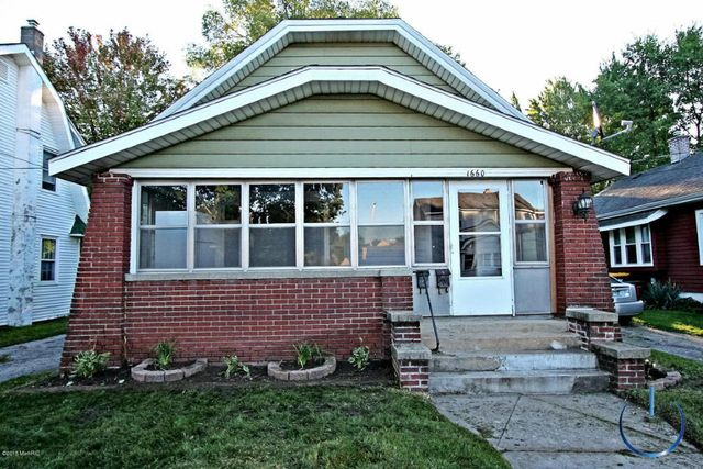 1660 wendler ave sw wyoming mi 49509 2 beds 1 baths for Bath remodel wyoming mi