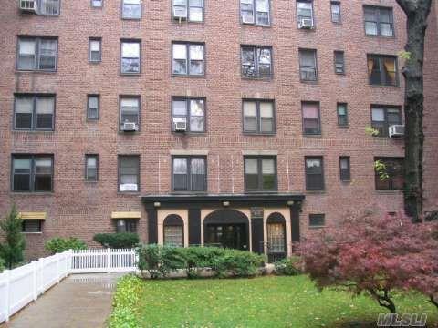 83-20 98 St Unit 4G Woodhaven, NY 11421