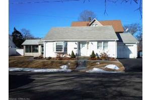 11 Wall St, Shelton, CT 06484