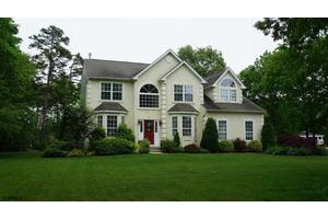 216 Mystic Dr, Egg Harbor Township, NJ 08234