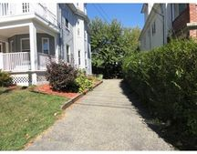 146 Spruce St Unit 1, Watertown, MA 02472