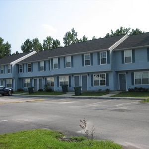 1100 Pineland Ave Apt 7 B Hinesville GA 31313