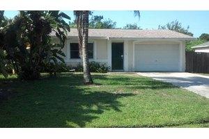 126 SW Ray Ave, Port Saint Lucie, FL 34983