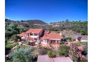 12815 Mirar De Valle, Valley Center, CA 92082