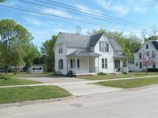 610 5Th Ave, Decorah, IA 52101
