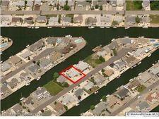 817 Bowline Dr, Forked River, NJ 08731