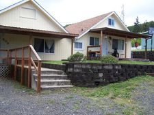 800 Doyle St, Reedsport, OR 97467