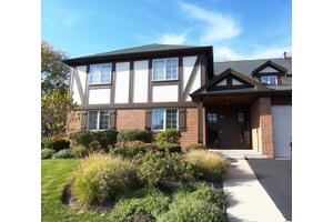 20 Sauk Trl Apt 3, Indian Head Park, IL 60525