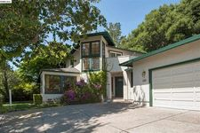 125 Sleepy Hollow Ln, Orinda, CA 94563