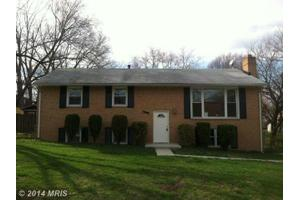 4913 Dublin Dr, Suitland, MD 20746