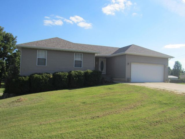 8790 brookside cir monett mo 65708 home for sale and for The family room monett mo