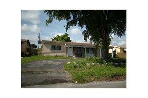 7618 Tropicana St, Miramar, FL 33023