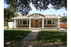 1176 N Marengo Ave, Pasadena, CA 91103