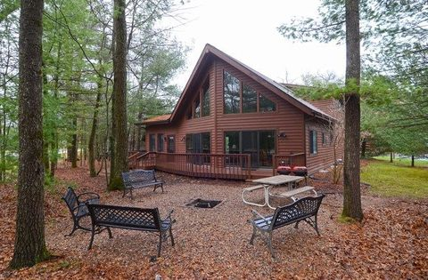 161 w hiawatha dr lake delton wi 53940 for Cheap cabins in wisconsin dells