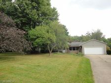 3600 Clubview Dr, Norton, OH 44203