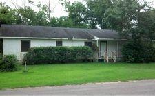 585 W Barfield St, Sour Lake, TX 77659