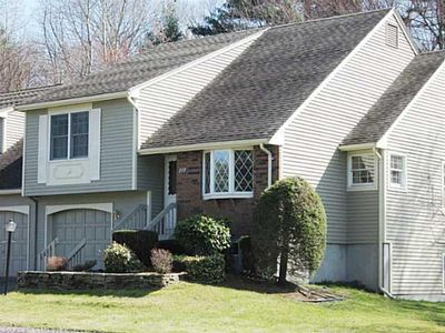 333 The Mdws, Enfield, CT 06082