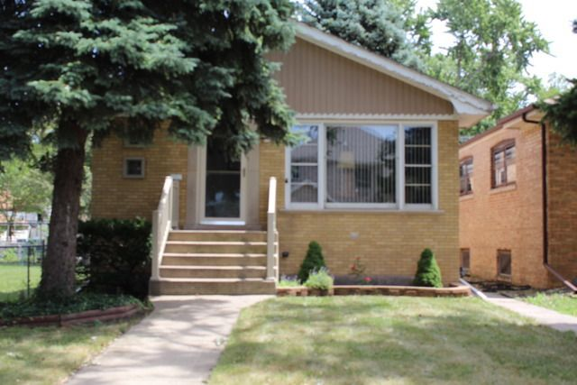 7655 leclaire ave burbank il 60459 home for sale and real estate listing for Burbank swimming pool illinois