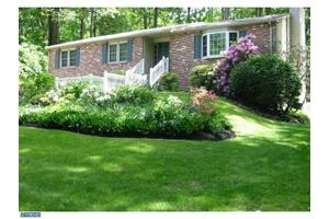 11 Northwood Dr, Downingtown, PA 19335