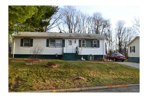 63 Nautilus Rd, Bridgeport, CT 06606