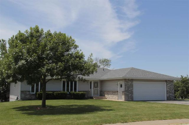 6021 Mulford Hills Dr, Loves Park, IL 61111