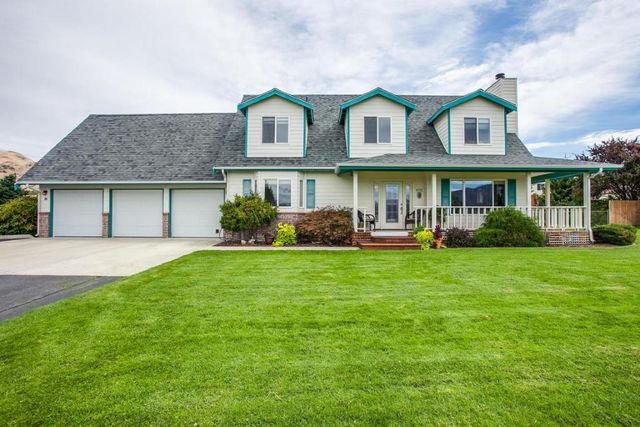 4020 nw cascade ave east wenatchee wa 98802   home for