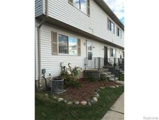 28165 Raleigh Crescent Dr Unit 96, Chesterfield Township, MI 48051