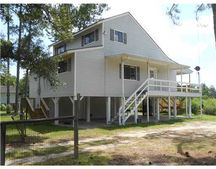 10213 River Dr, Bay Saint Louis, MS 39520