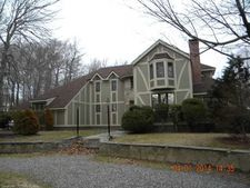 6 Carriage Hill Dr, Wolcott, CT 06716