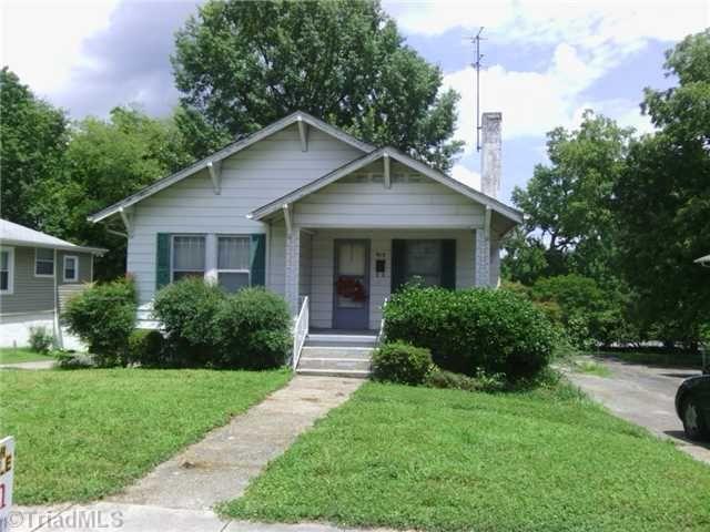 913 S Benbow Rd, Greensboro, NC 27406