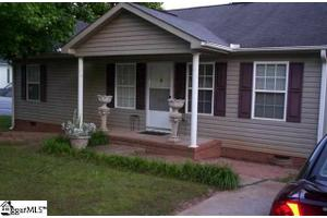 919 Gordon Street Ext, Greenville, SC 29611