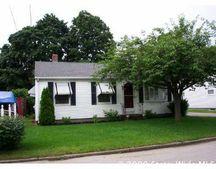 29 Vermont Ave, Rumford, RI 02916