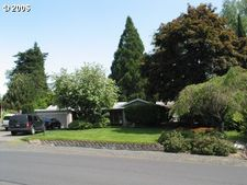 615 Meadow View Rd, Forest Grove, OR 97116