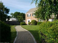40 Woodland Ave, Bloomfield, CT 06002