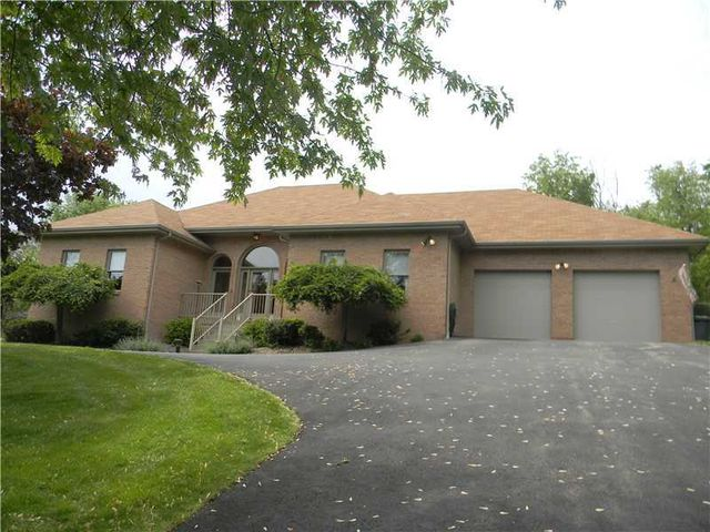 221 Waterman Rd, Jefferson Hills, PA 15025