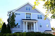 401 Waterview Dr, Poughkeepsie City, NY 12601