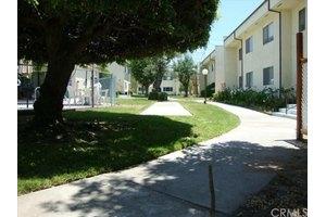 11813 Runnymede St Apt 34, North Hollywood, CA 91605