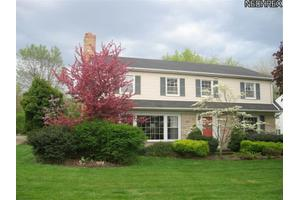 21142 S Woodland Rd, Shaker Heights, OH 44122