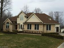 7685 Snowberry Ct, Mentor, OH 44060