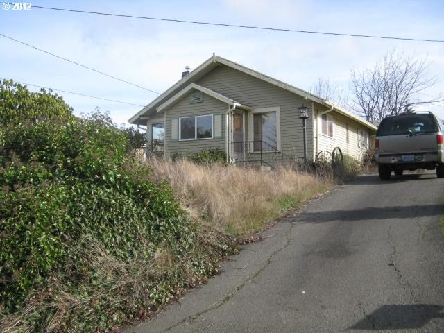 556 N Adams St Coquille, OR 97423